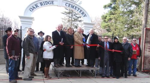 OAK RIDGE-DEDICATION OF ORIGINAL ENTRANCE-DEC 3-2014-By Donna Catlin (189)